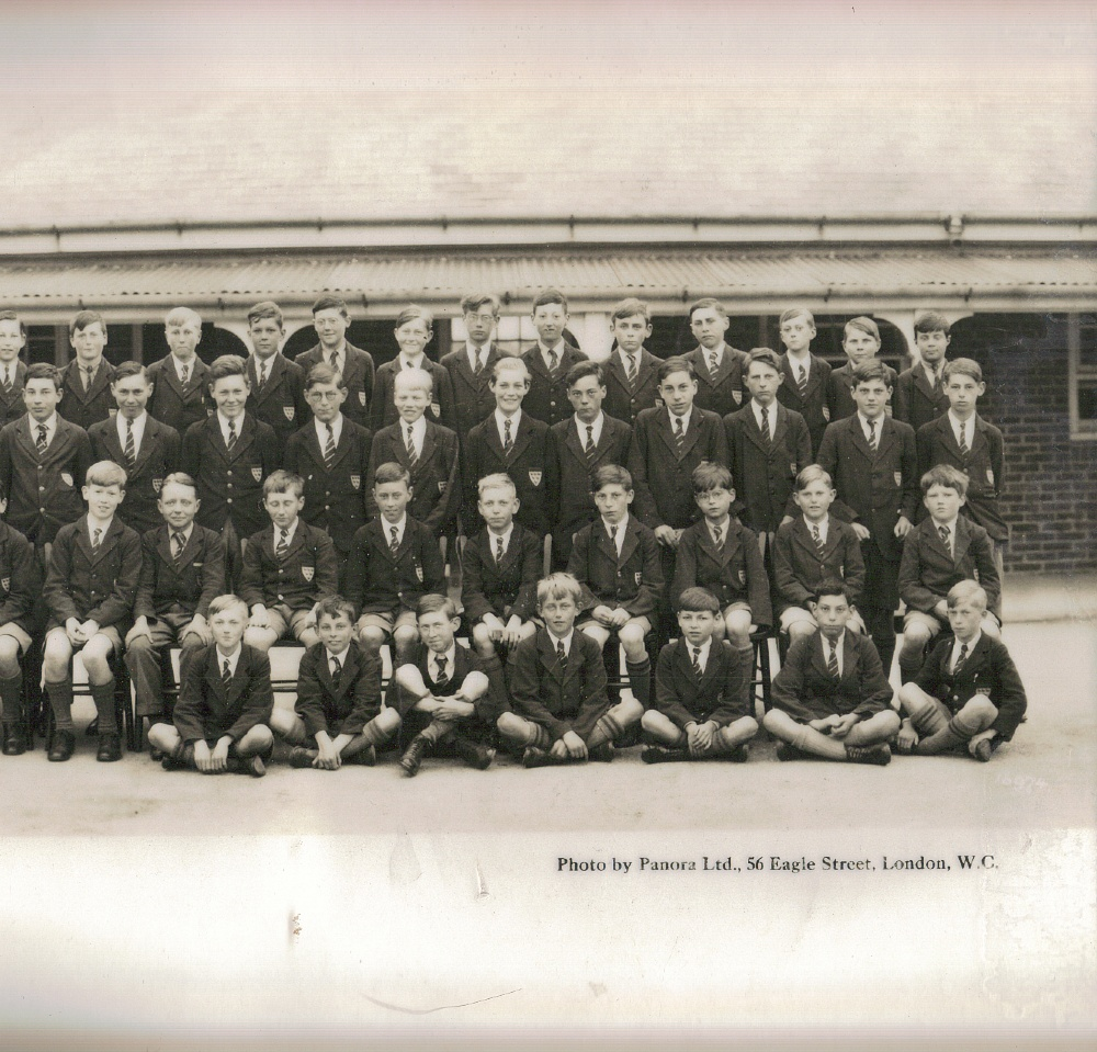 panoramic 1930 school photo far right