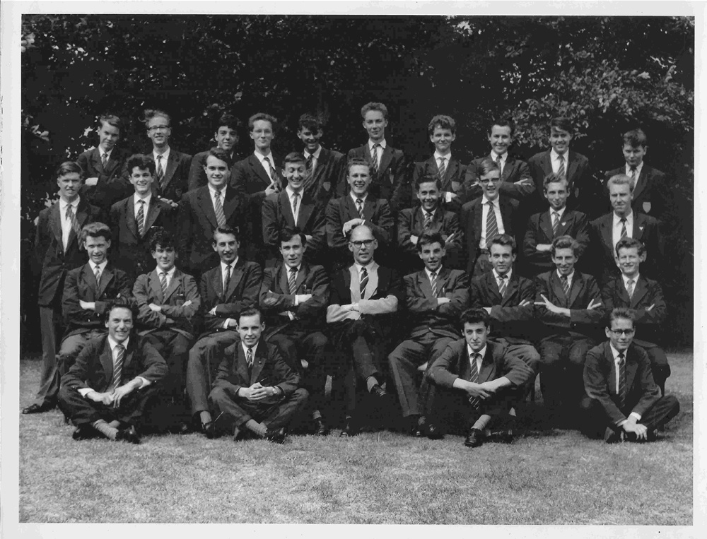 "VI Arts Lower 1959-60 Form Master: Mr E Bassett (""Boeuf"")"
